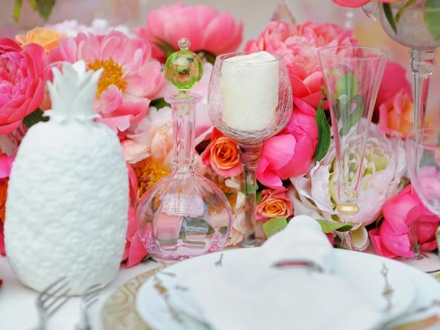 Tafelset voor een evenementenfeest of bruiloftsreceptie