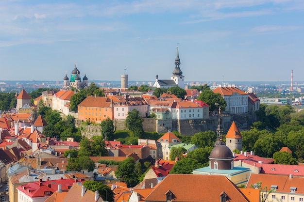 Tallinn castle gezien vanaf cathedral bell tower