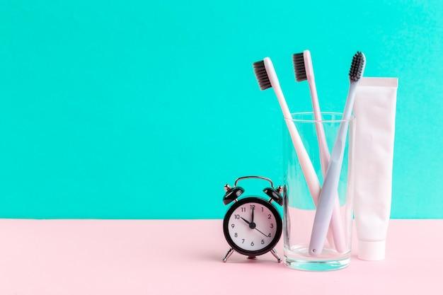 Tandenborstel en tandpasta