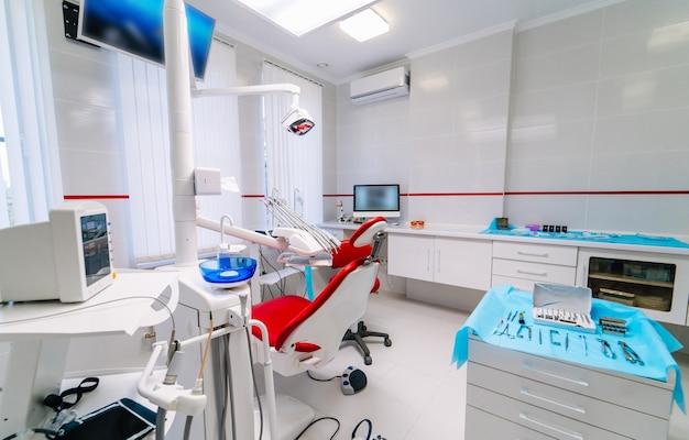 Tandheelkunde, geneeskunde, medische apparatuur en stomatologieconcept
