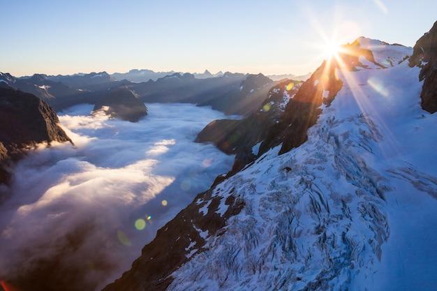 Taoka icefall en donne valley, darran mountains, fiordland national park, nieuw-zeeland
