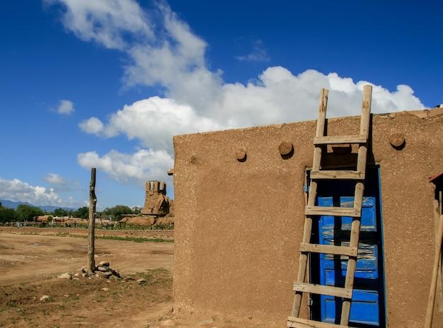 Taos pueblo in new mexico, vs.