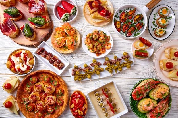Tapasmix en pinchos eten uit spanje