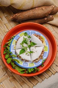 Tapioca met vleeskaas en boter typisch eten uit de noordoostelijke regio van brazilië