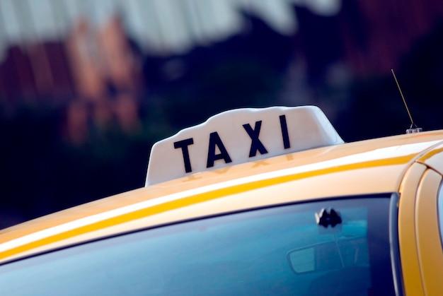Taxi, close-up