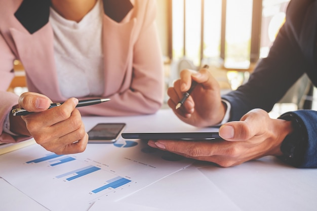 Team chart accountant zakelijk papier praten