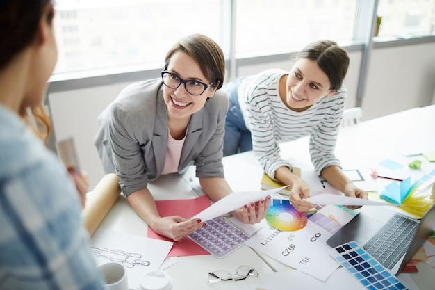 Team van creatieve vrouwen