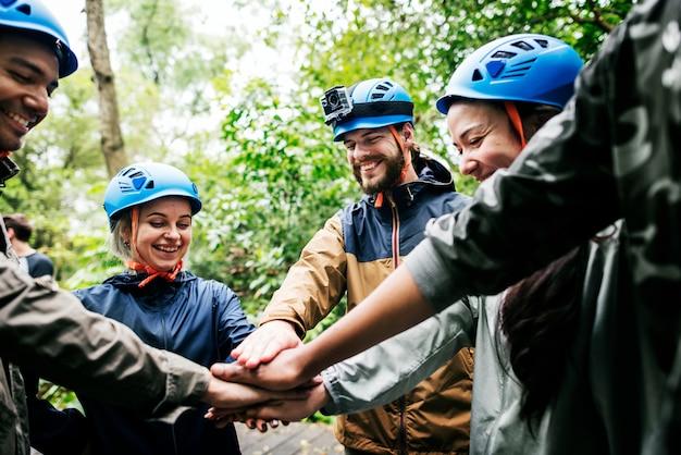 Teambuilding buiten in het bos