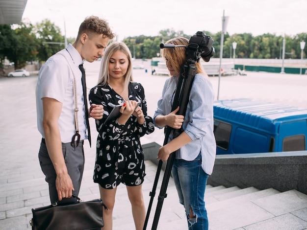 Teamwork backstage ideeën discussie brainstorm fotografie concept