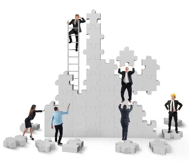 Teamwork werkt samen en werkt mee aan de bouw