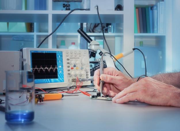 Tech test elektronische apparatuur