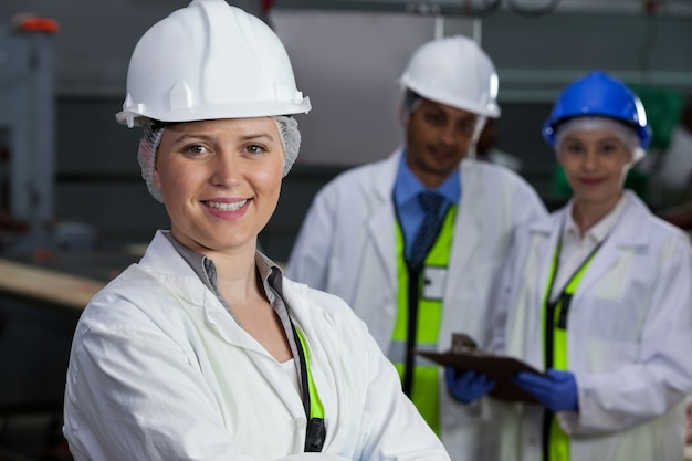 Technici permanent in vleesfabriek