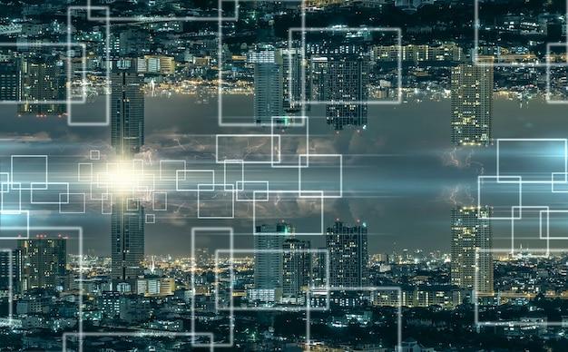 Technologie internet van ding over het panorama van het stadsbeeld van bangkok 's nachts,