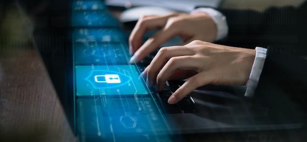Technologieconcept met cyberveiligheids internet en voorzien van een netwerk