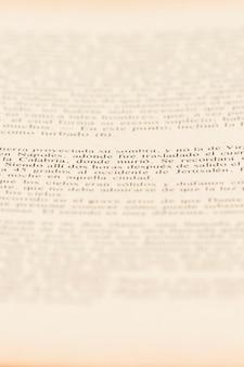 Tekst van artikelpagina in boek