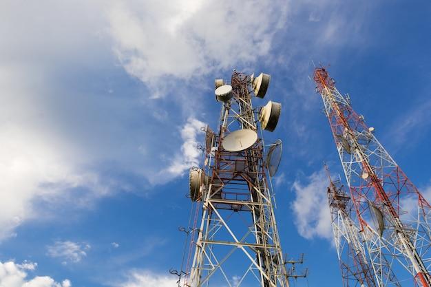 Telecommunicatie mast tv-antennes draadloze technologie