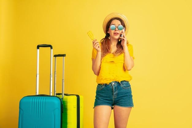 Telefonisch praten voordat u op reis gaat.