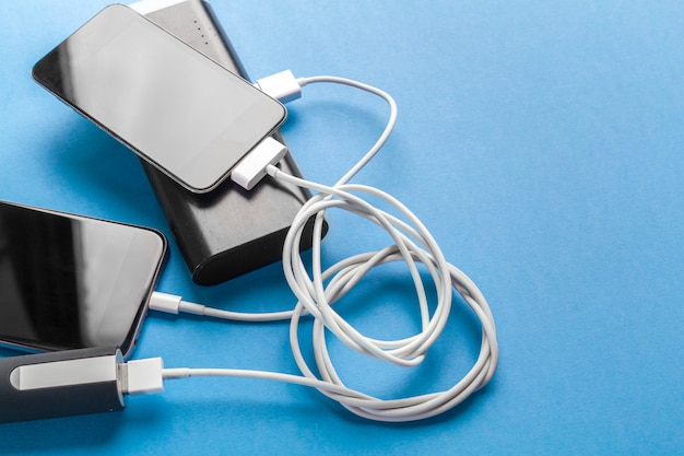 Telefoon mobiel verbinden met batterij powerbank