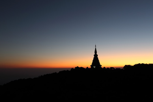 Tempel in zonsopgang