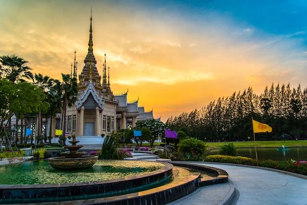 Tempel thailand mooie thailand tempel dramatische kleurrijke hemel