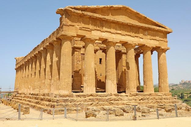 Tempel van concordia, vallei van de tempels, agrigento, sicilië, italië