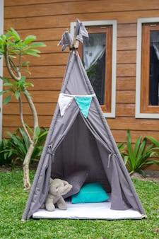 Tent in de achtertuin