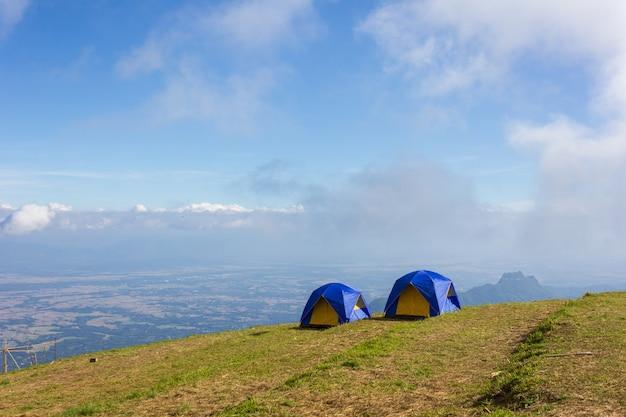 Tent op een gras