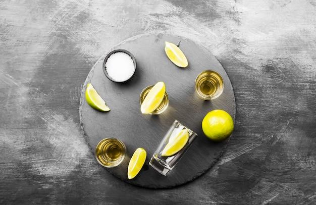 Tequila met limoen en zout