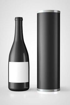 Terug fles rode wijn met pakket op een witte achtergrond