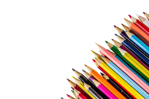 Terug naar school concept kleur potloden geïsoleerd op een witte achtergrond