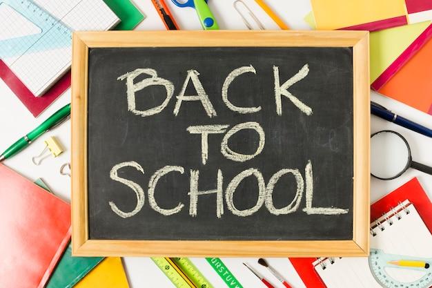 Terug naar school op schoolbord