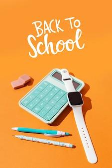 Terug naar schoolconcept met calculator