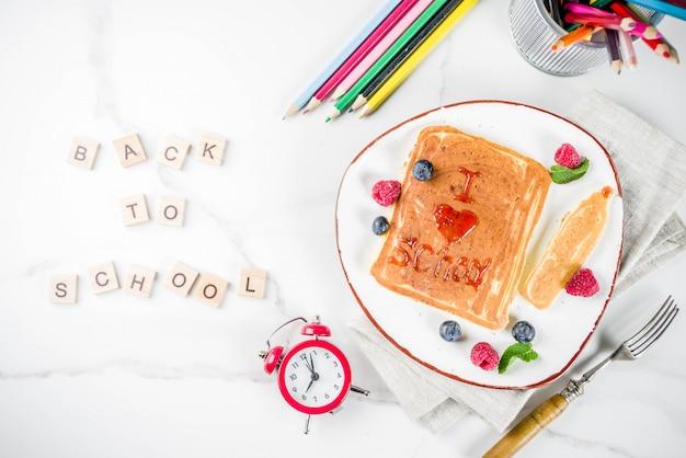 Terug naar schoolconcept, ontbijtpannekoeken
