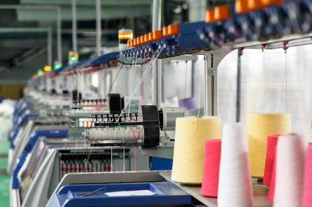 Textielindustrie met breimachines