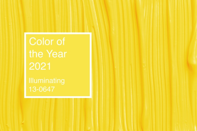 Textuur van gele vloeibare stichting op witte achtergrond