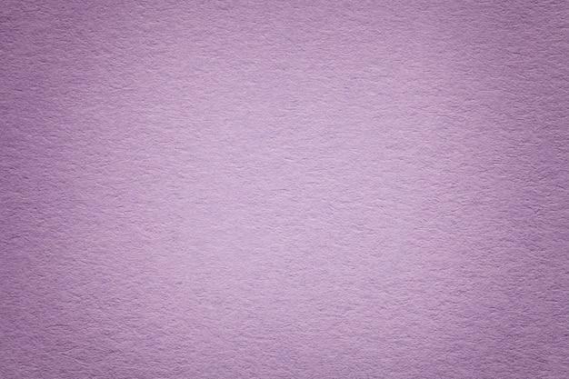 Textuur van oude purpere document achtergrond, close-up. structuur van dicht karton.