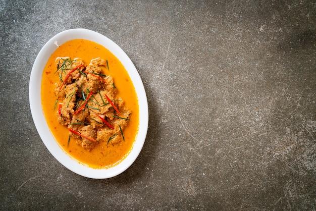 Thai meal kit panang curry met varkensvlees