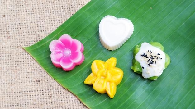 Thais dessert op een banaanblad.
