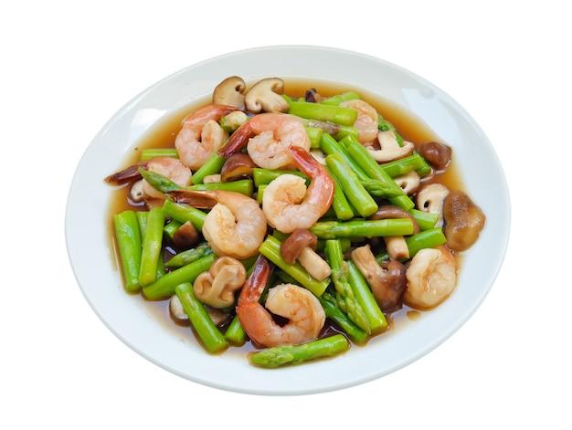 Thais eten, asperges roergebakken met garnalen