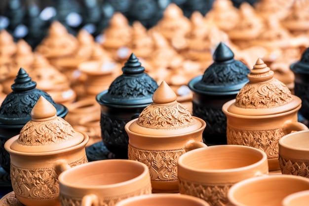 Thais traditioneel aardewerk