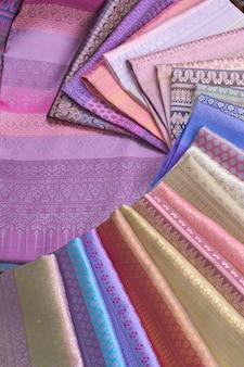 Thais zijdepatroon en ontwerp