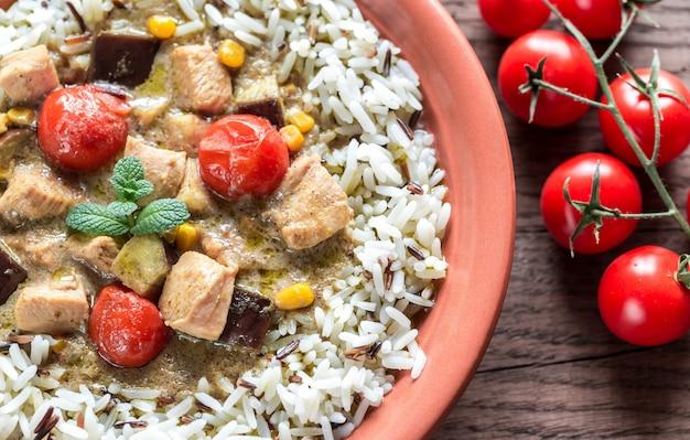 Thaise groene kip curry met mix van witte en wilde rijst