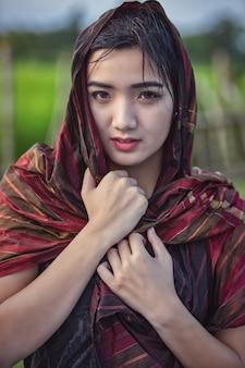 Thaise lokale vrouw, platteland van thailand