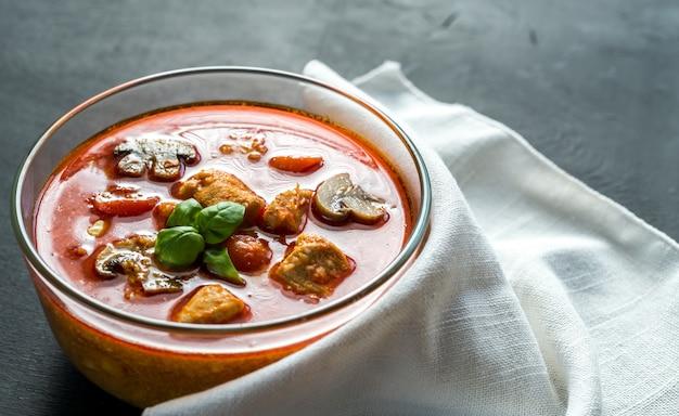 Thaise rode kip curry