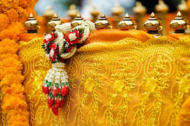 Thaise slinger op pagodebarricade