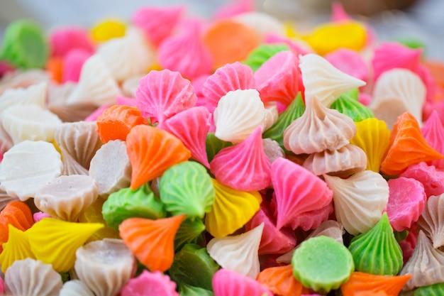Thaise traditionele uitstekende zoete kleurrijke de suikersnack van het suikergoeddessert