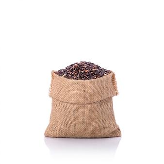 Thaise zwarte kleefrijst in kleine zak.