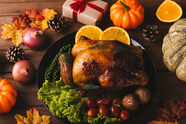 Thanksgiving gebraden kalkoen en groenten