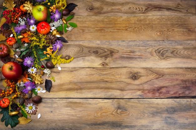 Thanksgiving groet met gele en paarse bloemen