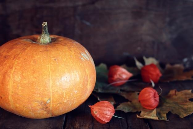 Thanksgivings dag pompoen en kaarsen